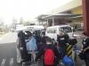 17 02 Arrivée Phnom Penh Nos deux bus au rendez-vous.JPG